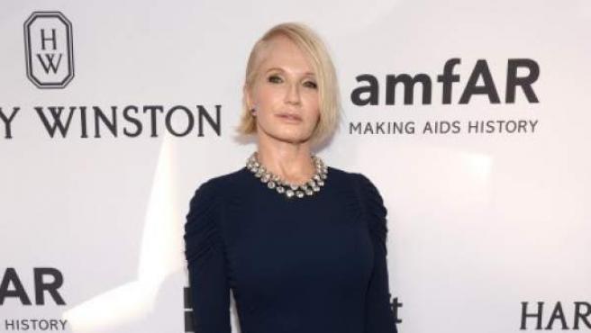 La actriz Ellen Barkin acude a una gala en la ciudad de Nueva York.