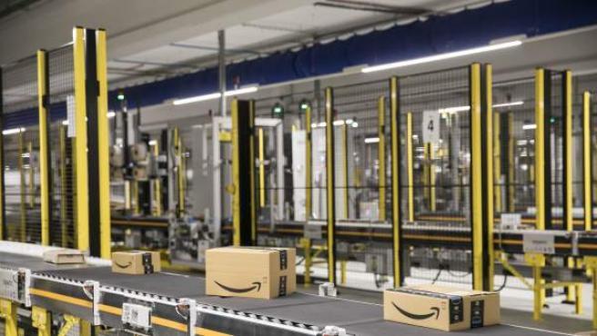 Centro logístico de Amazon en el Prat del Llobregat, Barcelona.