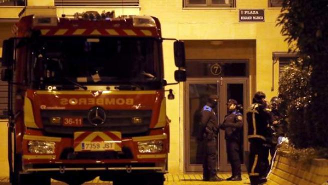 Un hombre habría matado a sus hijos en el fuego de su vivienda para después suicidarse en las vías del tren.