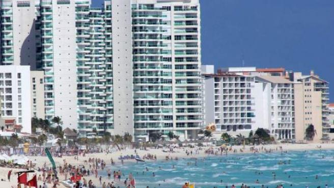 Vista de la playa Marlyn, en Cancún.