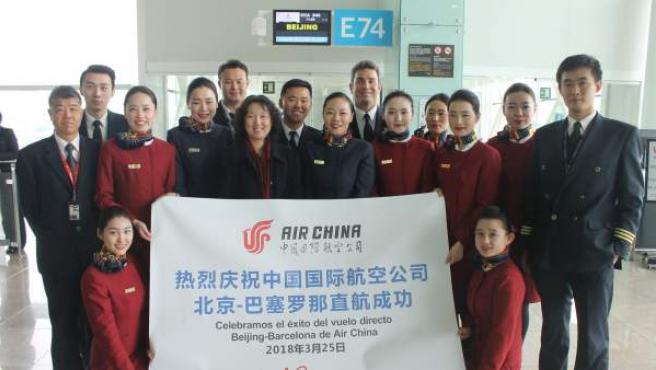 Personal del nuevo vuelo directo entre Barcelona y Pekín de Air China