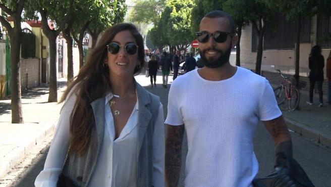 Anabel Pantoja y Omar juntos en la Semana Santa sevillana