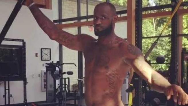 LeBron James en un entrenamiento.