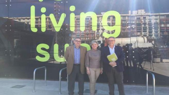 Vicent Llorens, Pilar Moncho y Evarist Caselles en el Cubo de la Marina