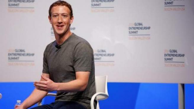 El fundador de Facebook, Mark Zuckerberg, en la Cumbre Global Entrepreneurship 2016, en la Universidad de Standford, California (EE UU).