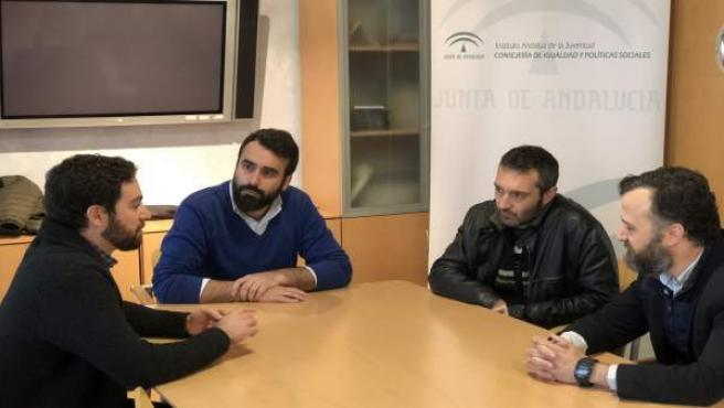 Representantes de las instituciones durante la reunión