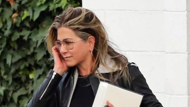 La actriz, de 49 años, a su salida de un centro en Beverly Hills, California.