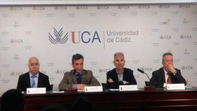 El rector de la UCA, Eduardo González Mazo, en un acto