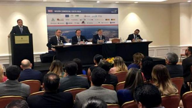 Foto Y Nota De Prensa: Un Total De 16 Empresas Gaditanas Del Sector Logístico Y