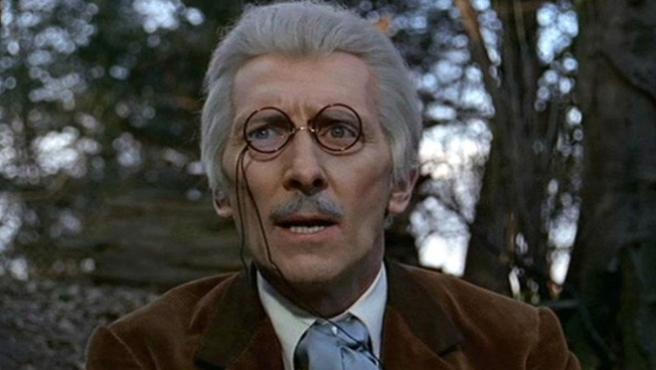 'Doctor Who' convierte en canon las películas de Peter Cushing