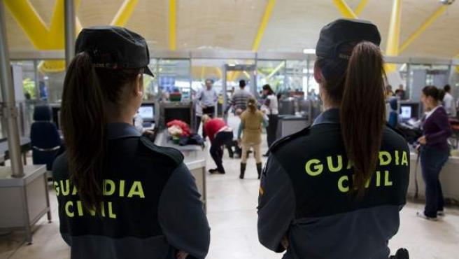 Guardias Civiles de vigilancia