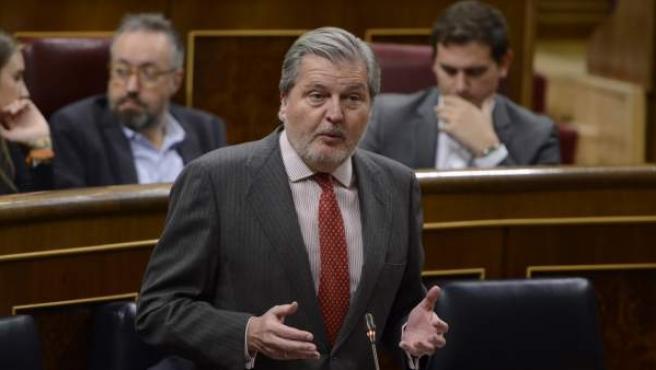 Méndez de Vigo en la sesión de control al Gobierno en el Congreso.