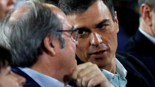 Ángel Gabilondo y Pedro Sánchez, el pasado sábado en un acto en favor de la moción de censura.