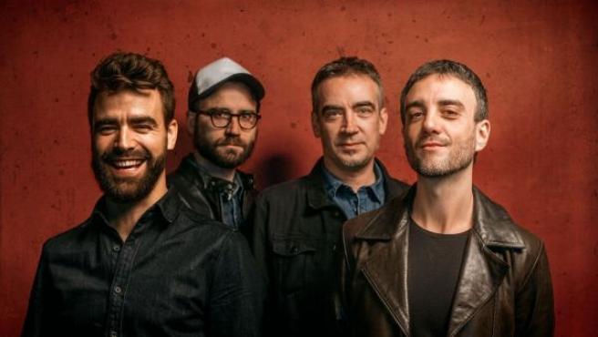 De izquierda a derecha, Alberto Anaut (voz y guitarra), Gabri Casanova (teclados), Javi Skunk (batería) y Javi Geras (bajo).