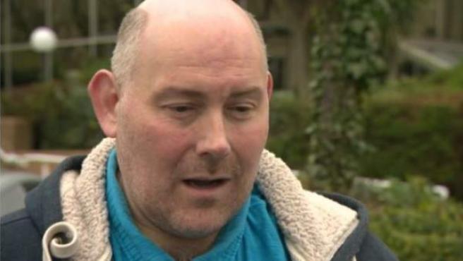 Luke Burns, el padre de una familia de Bristol que ha vivido en hoteles durante tres años.