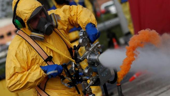 Ejercicicio de demostración de la UME de la nueva tecnología Counterfog para descontaminación del aire, proyecto creado por investigadores de la Universidad de Alcalá.