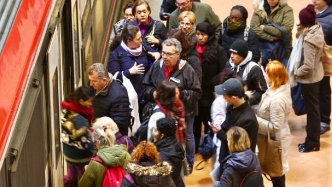 Renfe indica que hay casi un 97% de puntualidad en sus trenes de cercanías en Madrid.