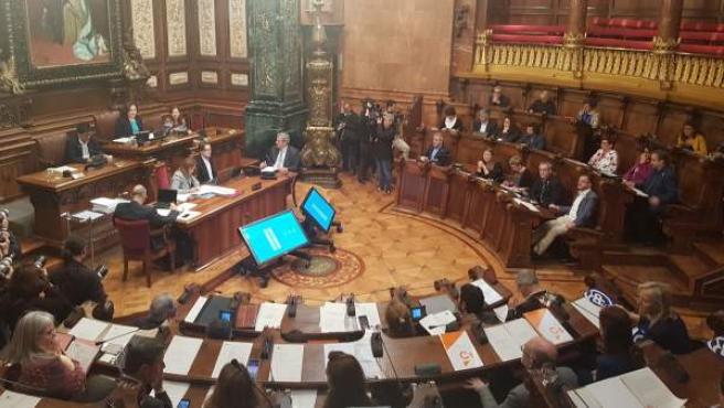 Imagen de un pleno del Ayuntamiento de Barcelona.