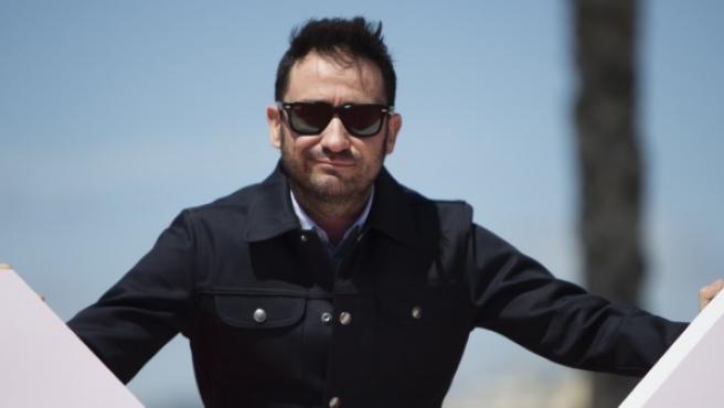 El cineasta J. A. Bayona, posando durante el photocall de 'I Hate New York'.