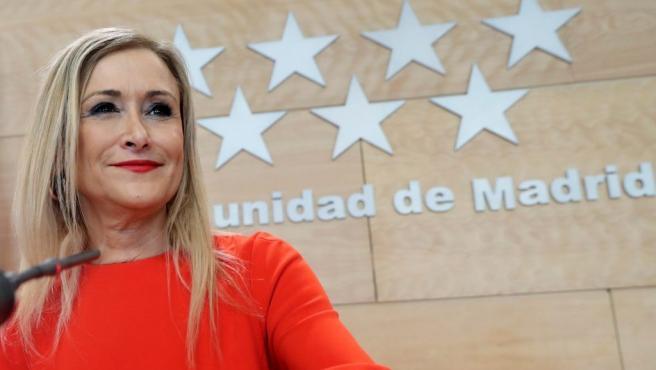 La presidenta de la Comunidad de Madrid Cristina Cifuentes, durante la rueda de prensa tras la reunión del Consejo de Gobierno.