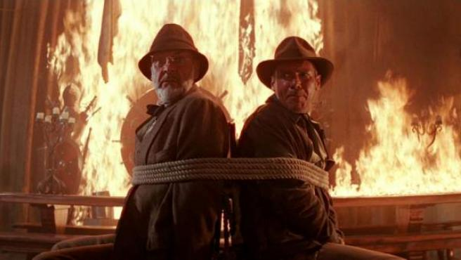 Sean Connery y Harrison Ford en una escena memorable de 'Indiana Jones y la última cruzada'.