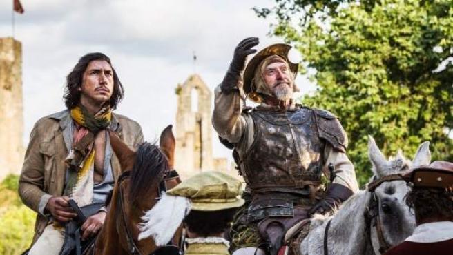 Adam Driver y Jonathan Pryce como los peculiares Sancho y Quijote de 'El hombre que mató a Don Quijote'.
