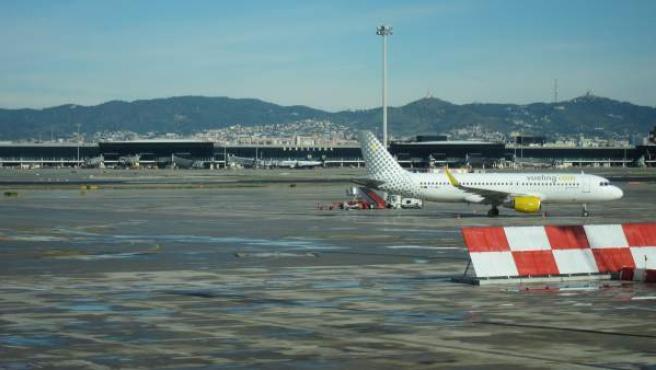 Un avión en el Aeropuerto de Barcelona.