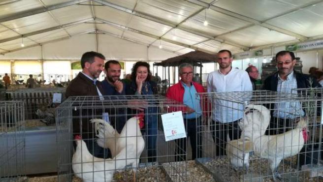 Sánchez (izda.) y Bustamante (2º dcha.) en la Feria Agroganadera