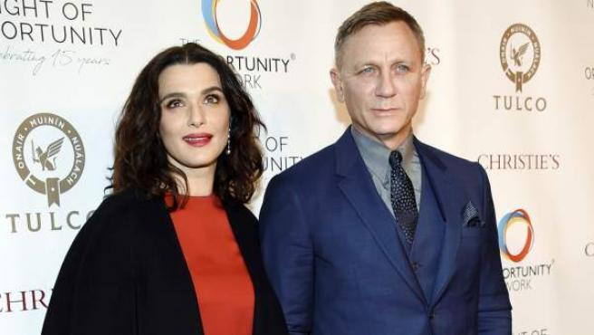 Los actores británicos Rachel Weisz y Daniel Craig, posando en un evento en Los Ángeles el pasado 9 de abril.