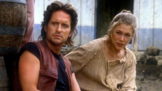 """Kathleen Turner: """"Michael Douglas y Jack Nicholson apostaron para ver quién se acostaba antes conmigo"""""""
