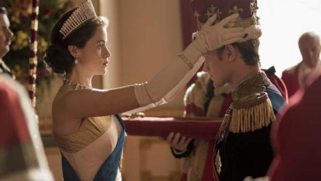 Claire Foy y Matt Smith en la serie 'The Crown'.