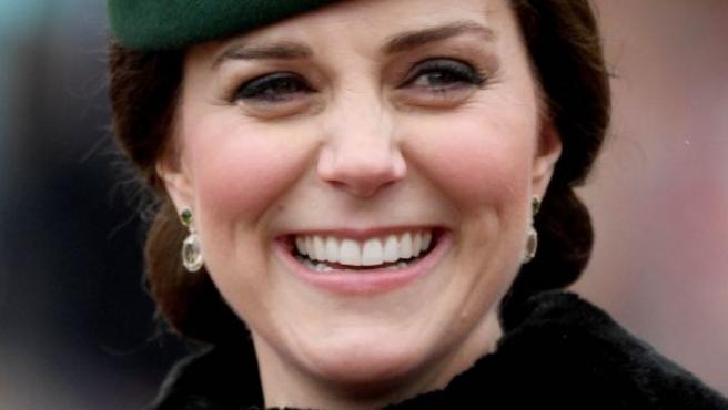 La duquesa de Cambridge y el príncipe Guillermo serán padres de su tercer hijo este mes de abril y aumentarán la familia. Los duques de Cambridge ya son padres de George, de 4 años, y Charlotte, de 2 años.