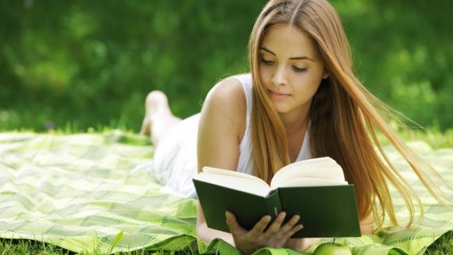 Lectura en la naturaleza.