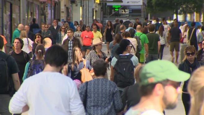 La población española crece por primera vez en 5 años