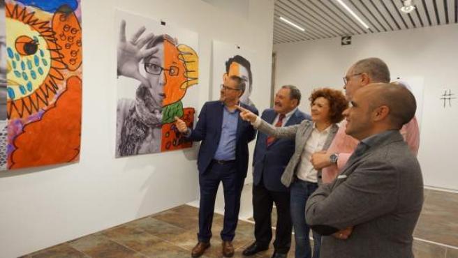 La Diputación acoge una exposición que muestra la cara más artística del autismo