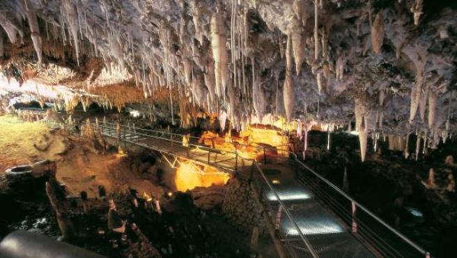 Cueva De El Soplao