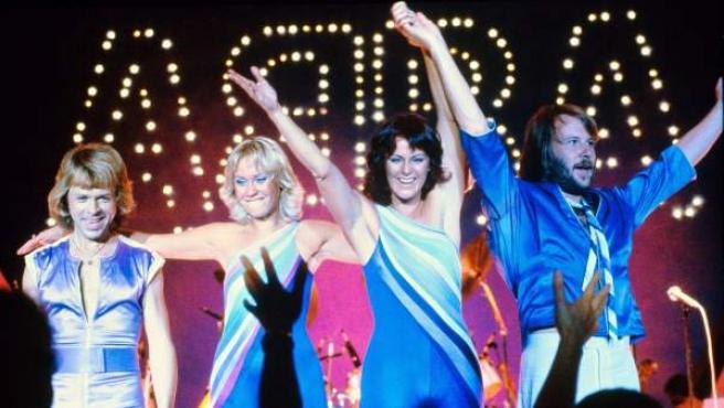 Los cuatro componentes de la banda británica ABBA.