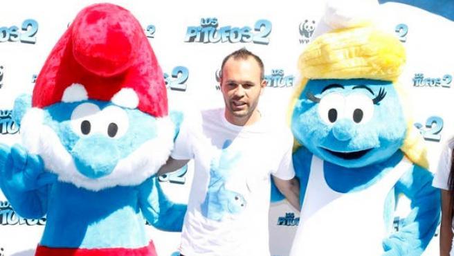 Andrés Iniesta y el tiki-taka, en azul pitufo
