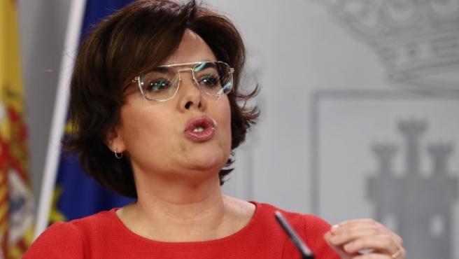 La vicepresidenta del Gobierno, Soraya Sáenz de Santamaría, durante la rueda de prensa posterior a la reunión del Consejo de Ministros.