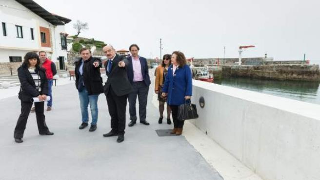 Mazón inaugura el mirador del puerto de Comillas