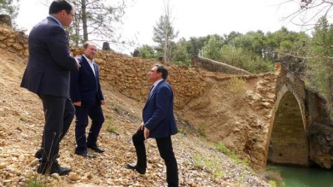 Prieto, Huete y Mariscal en el puente del Chantre