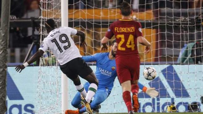 Sadio Mané marca el primer gol en el Roma - Liverpool.