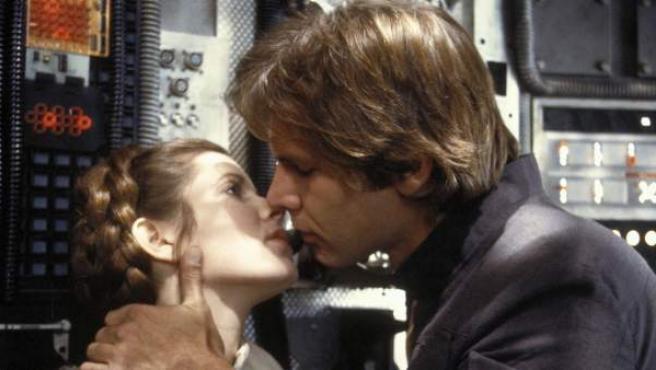 """Después de que Leia se declarase a Han Solo, éste debía contestar """"Yo también te quiero"""". Sin embargo, Harrison Ford dijo otra frase: """"Lo sé""""."""