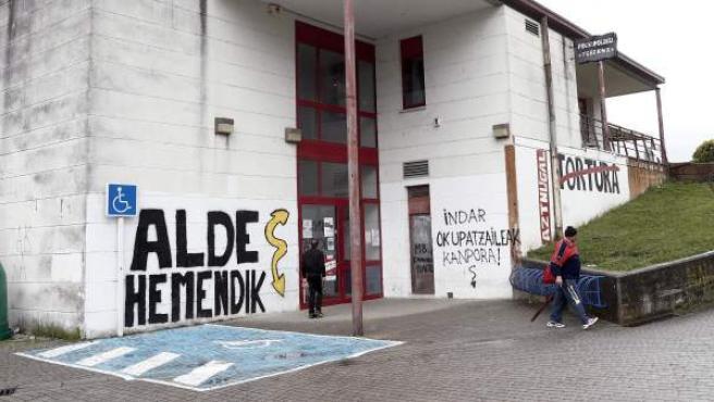 Pintadas de ideología 'abertzale' en Arbizu, Navarra.