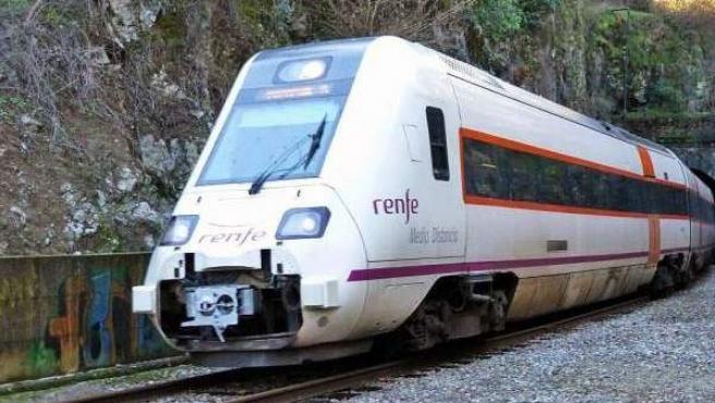 Imagen de archivo de un tren Intercity.