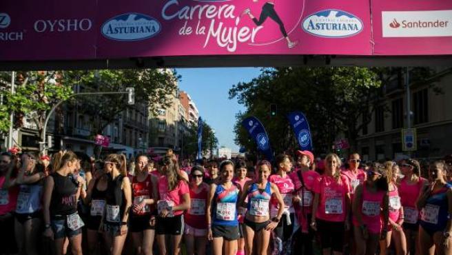 Salida en la XV edición de la Carrera de la Mujer que se ha disputado este domingo por las calles de la capital.