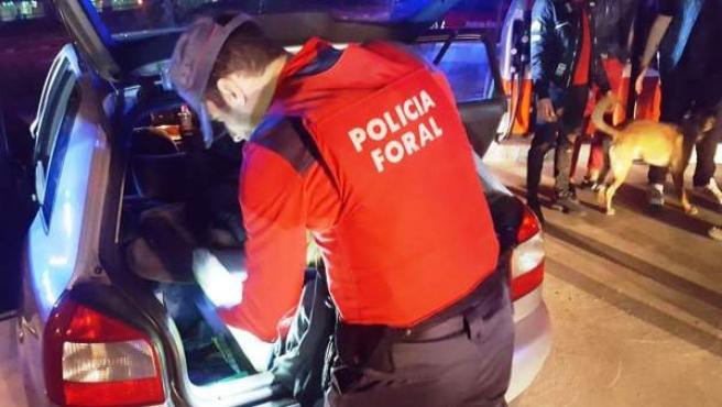 Control preventivo de la Policía Foral durante la noche