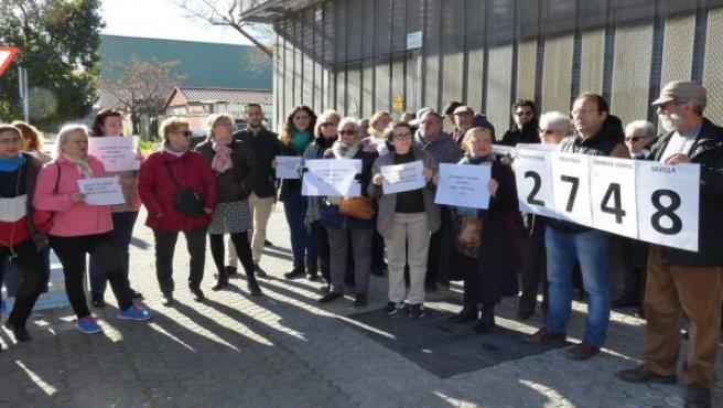 Vecinos reclaman refuerzsos en los servicios sociales del Polígono Sur