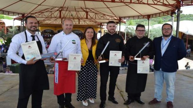 Ganadores del concurso de corte de jamón de Jerez con la alcaldesa