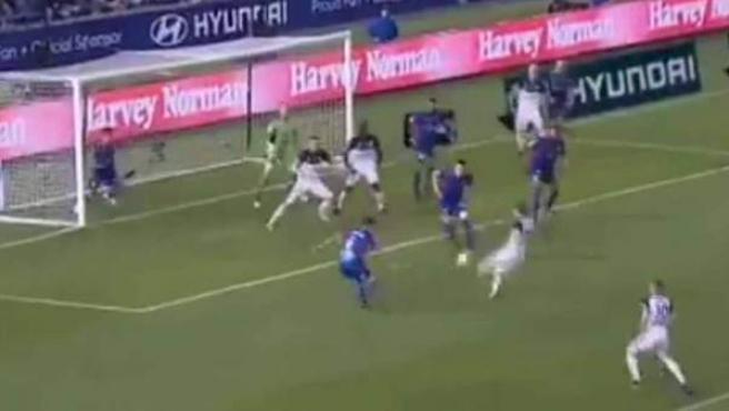 Gol del Melbourne Victory en fuera de juego que le dio la Liga en Australia.